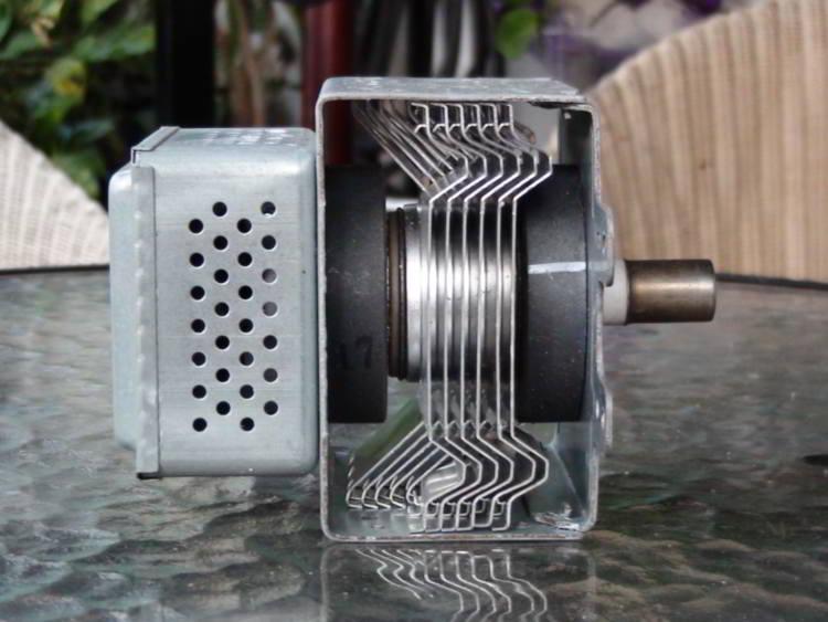 Los magnetrones son los repuestos para microondas más demandados