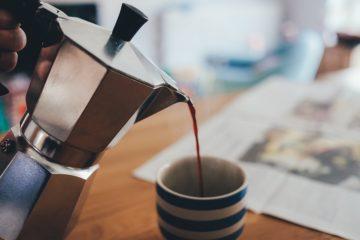 como usar una cafetera italiana