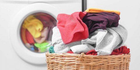Separar la ropa de la lavadora