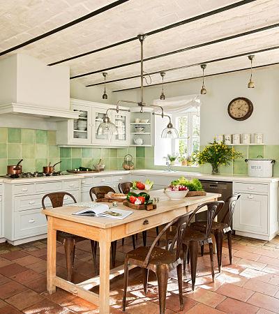 Usa una campana de obra para tu cocina rústica - La Casa Tecno